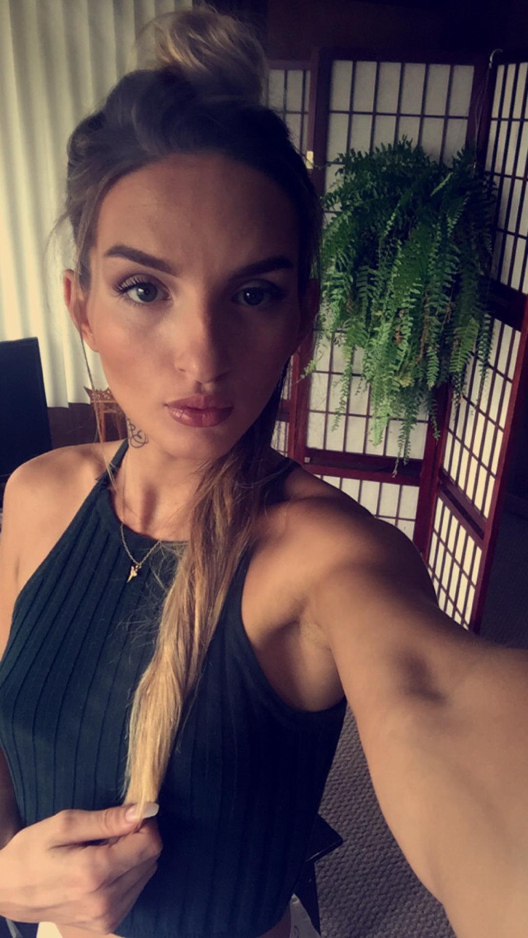selfie sexy de fille du 56